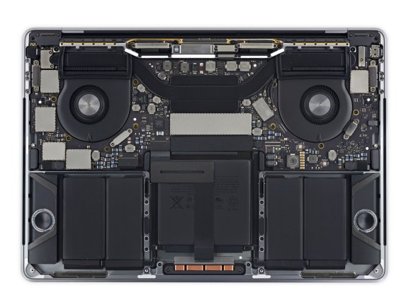 iFixit_ben_trong_macbook_pro_13_2016_touch_bar_5.jpeg