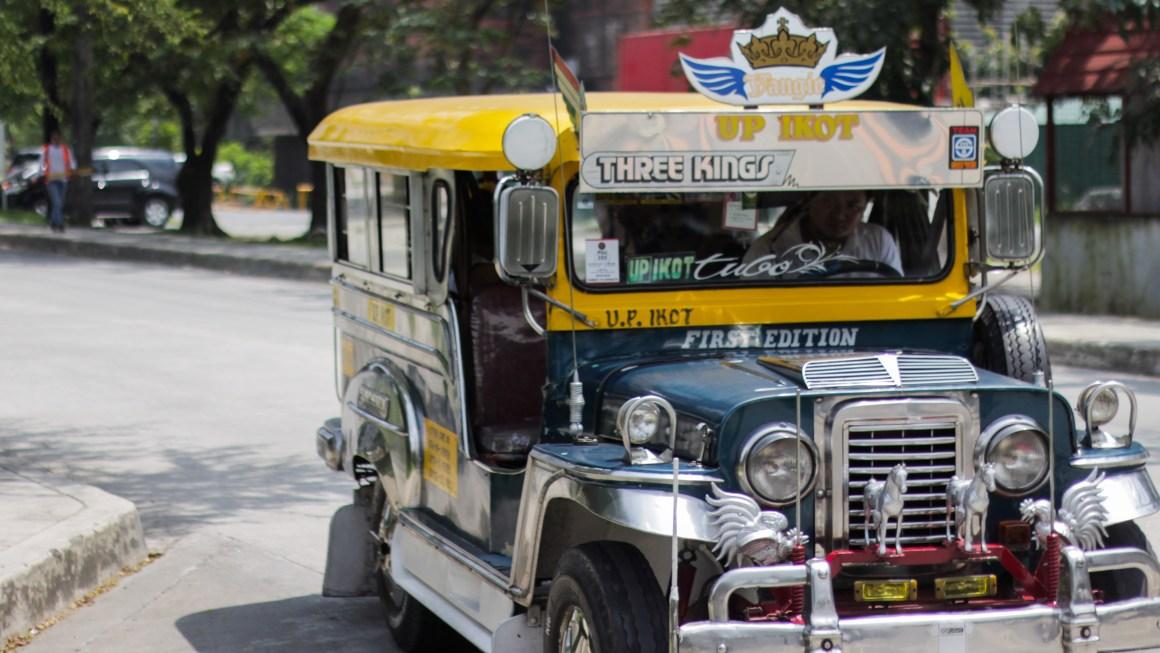 Ang Ikot at Toki na mga jeep ay natatangi sa kanilang estado bilang transportasyon ng mga estudyante ng UP Diliman. Kuha ni Quin Astilla.