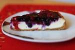 Krémový vanilkový čízkejk s lesným ovocím
