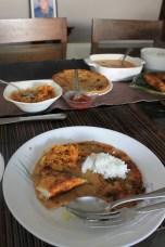 odlično domače kosilo, riba s curryjem, riž in še dve zadevi