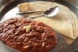 masala z mandlji, indijskimi oreški, arašidi in belimi rozinami. malce presladko za moj okus, ampak to bi lahko pričakovala