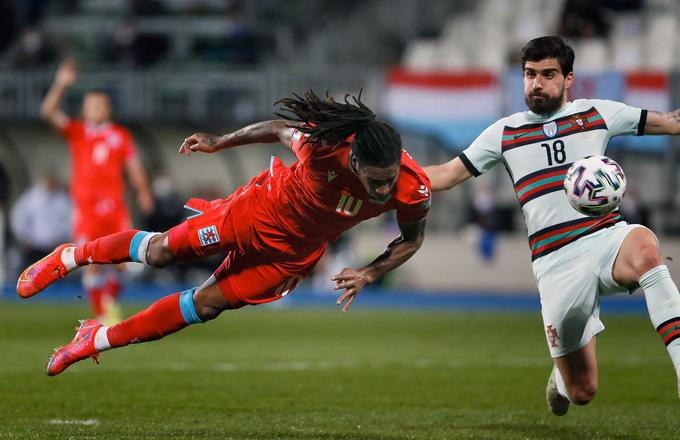 Tỷ lệ kèo bóng đá ngày mai cho thấy Bồ Đào Nha đang dẫn đầu