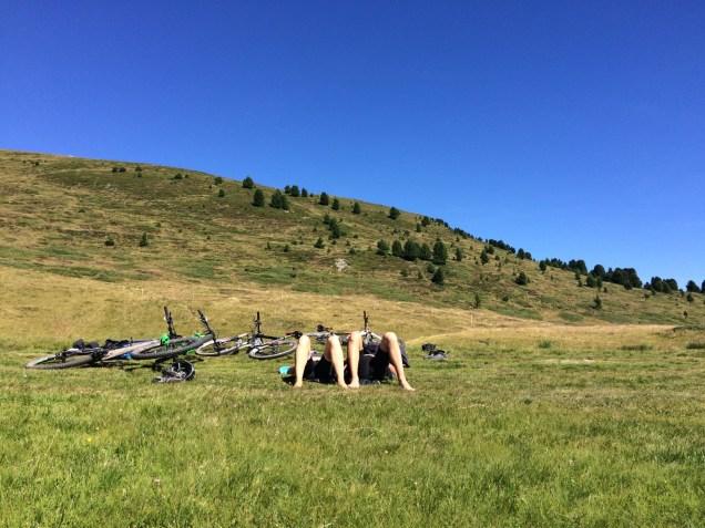 MTB-Trip Dolomiten / Pause für fleißige Radlerwadeln
