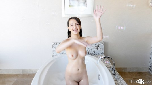 Tiny4k Stephanie Carter in Tiny Bubbles 9