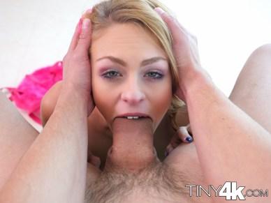Tiny4k Zoe Clark Goes Crotchless 11