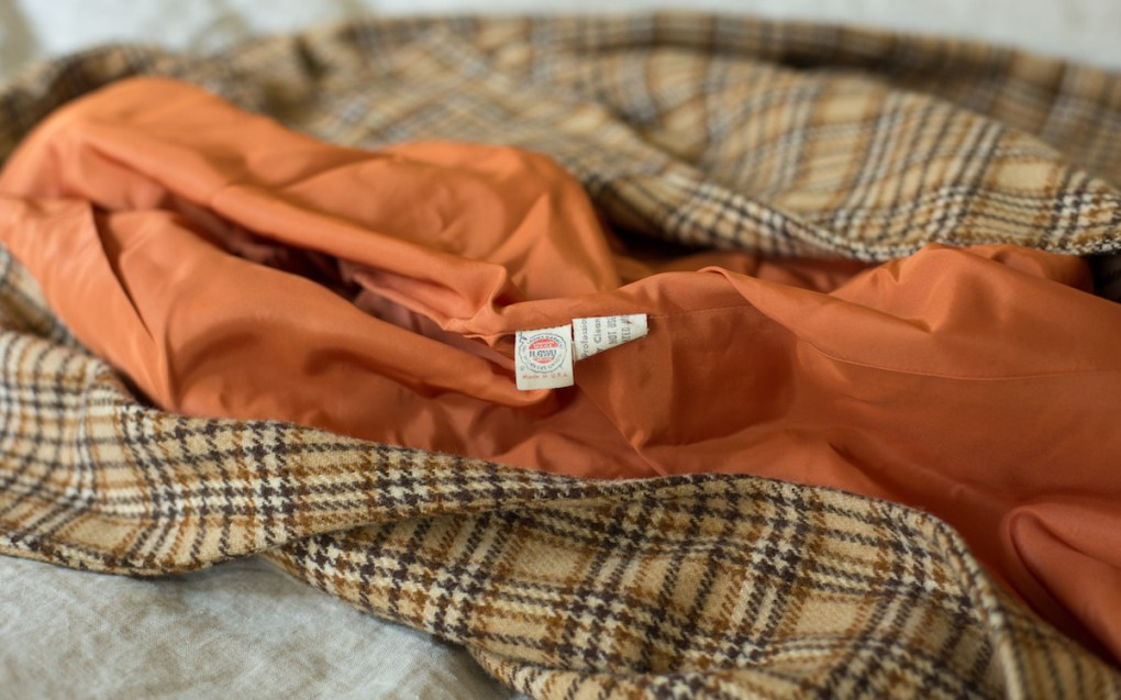 thrifting-finds-ILGWU-vintage-coat-label