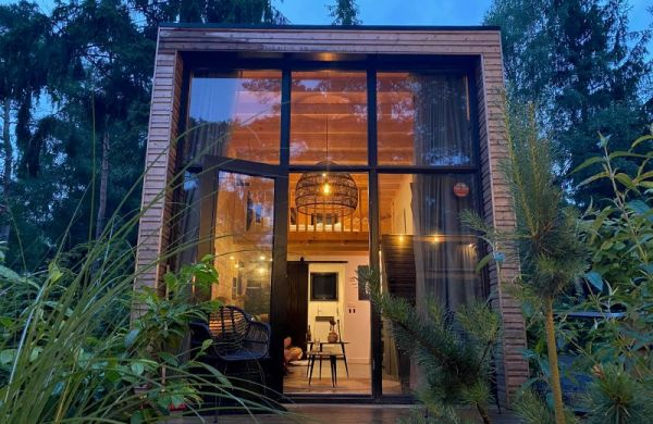 tiny-house-licht-frontaal