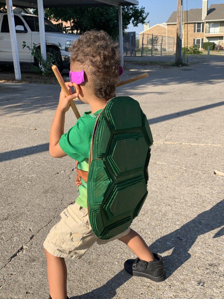 DIY cardboard ninja turtle halloween costume