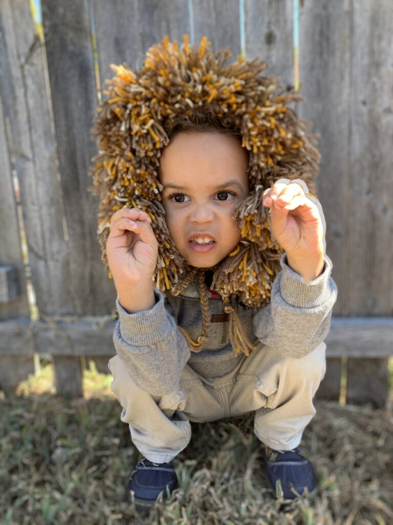 DIY crochet lion mane halloween costume - tiny green earthling