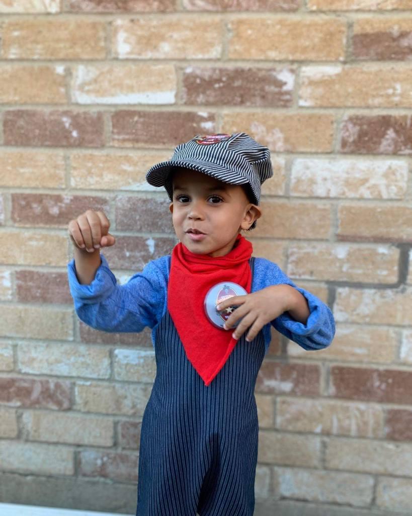 DIY toddler Halloween costumes - romper train conductor costume