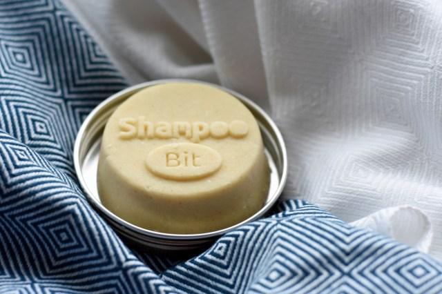 Rosenrot, ShampooBit, festes Shampoo, Shampoobar, Shampoostein, Shampootaler