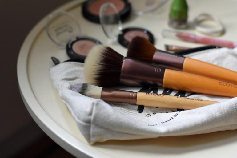 Naturkosmetik whats in my MakeUp Bag, Naturkosmetik whats in my bag, Naturkosmetik Bag, Alverde Neuheiten 2019 Naturkosmetik, Whats in my MakeUpBag Naturkosmetik, Whats in my Bag Naturkosmetik