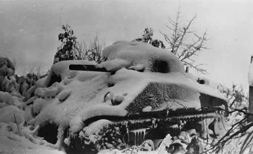 A Kiwi Sherman in the snow at Orsogna