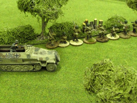 A Hanomag flanks the Russians scouts