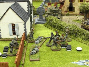 German troops fire masses of panzerfausts at the Cromwell, check out all those command tokens!