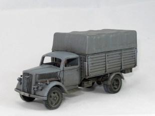 Old skool grey truck, seen throughout the war
