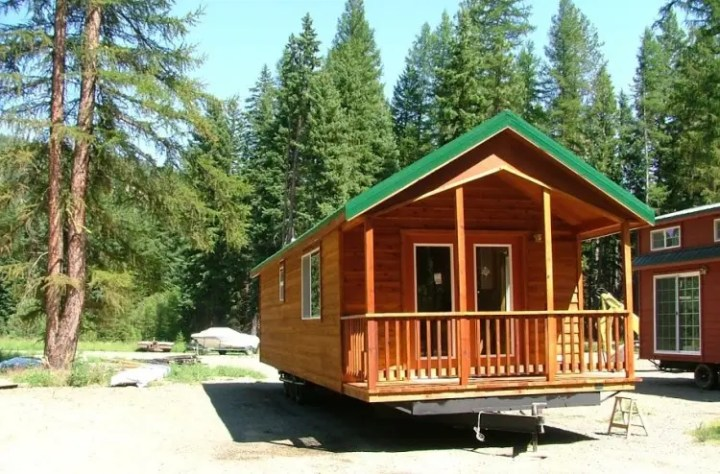 Floor Plans for Tiny Houses on Wheels   Top 5 Design Sources   Tiny     After the Oregon timber industry tanked in the 1990s  Rich and his crew set  about building a new business  by building tiny homes for people like us
