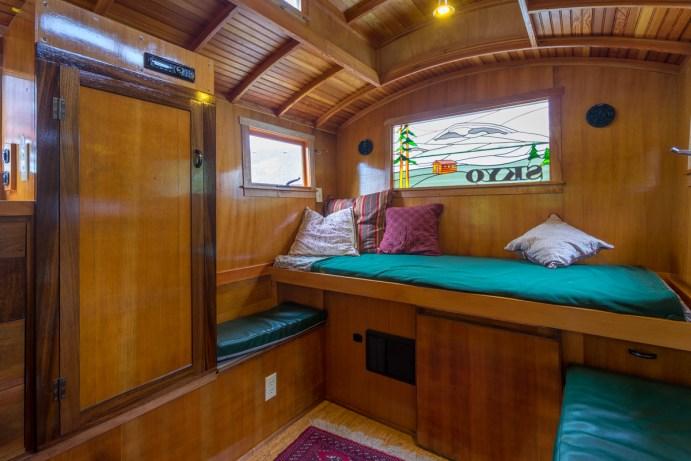 Russ's Gypsy Wagon - 0002