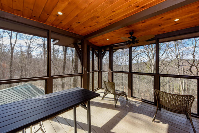 Tiny Treehouse Cabin In Maryville TN  By Architect Gary Best_016?resizeu003d636,425