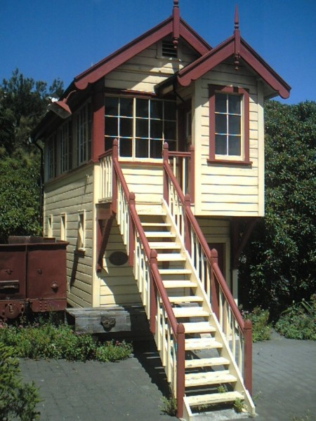 Two Story Tiny House – Tiny House Pins