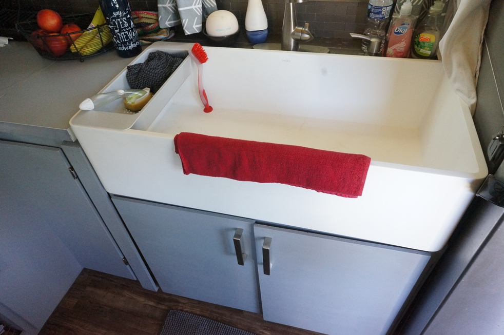 Large, farmhouse sink, so useful in a tiny house.