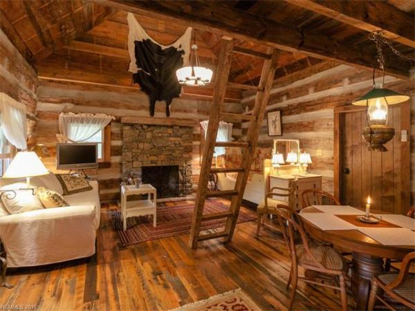 100-year-old-tiny-cabin-in-green-mountain-004