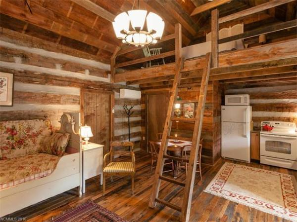 100-year-old-tiny-cabin-in-green-mountain-005