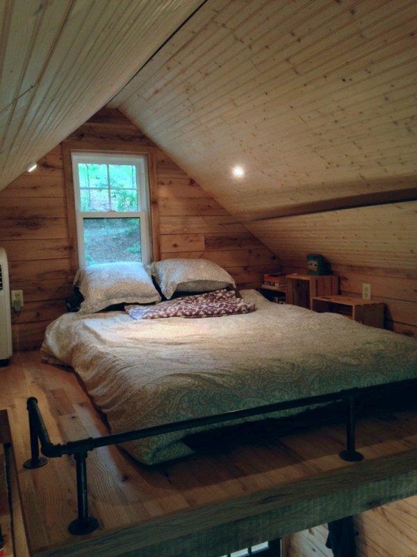 180-sq-ft-otter-den-tiny-house-0015