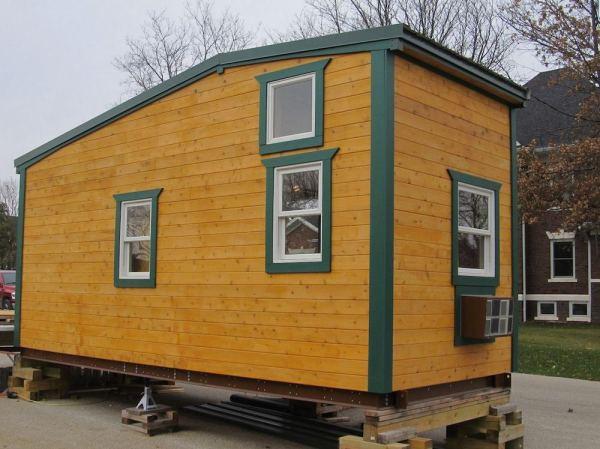 180-sq-ft-tiny-house-with-extra-64-sq-ft-loft-02