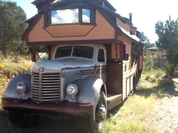 1948-international-housetruck-tiny-home-by-michael-ostaski-001