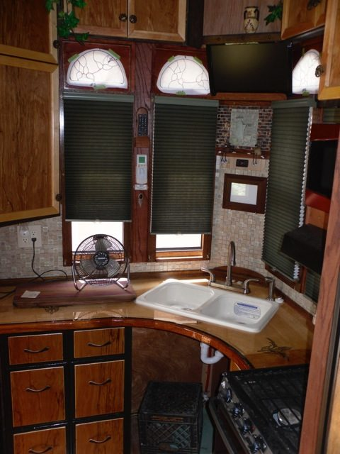 1999-sterling-housetruck-tiny-home-003