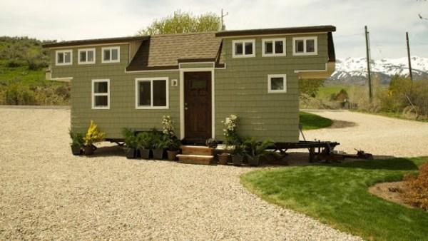 200 Sq. Ft. Family Tiny House 011