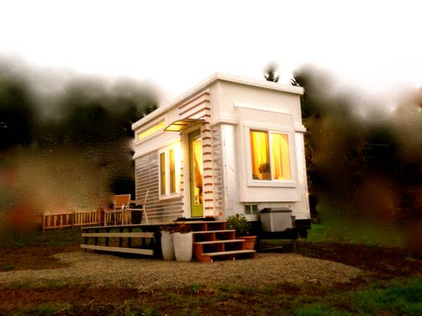 200-sf-modern-tiny-house-for-sale-in-ashland-oregon-0020