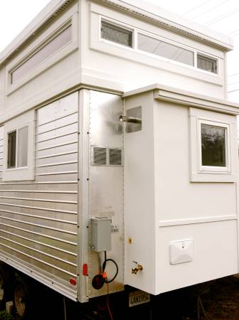 200-sf-modern-tiny-house-for-sale-in-ashland-oregon-005