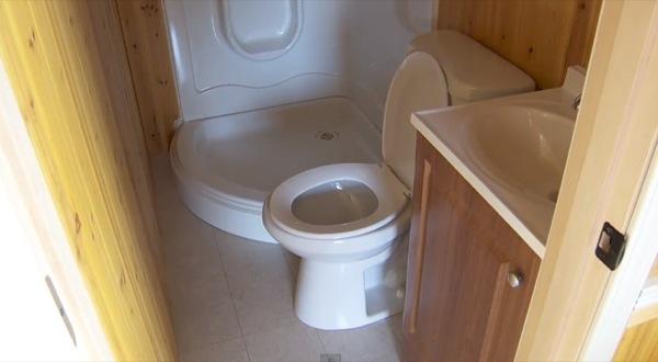 200-sq-ft-irish-cottage-tiny-house-08