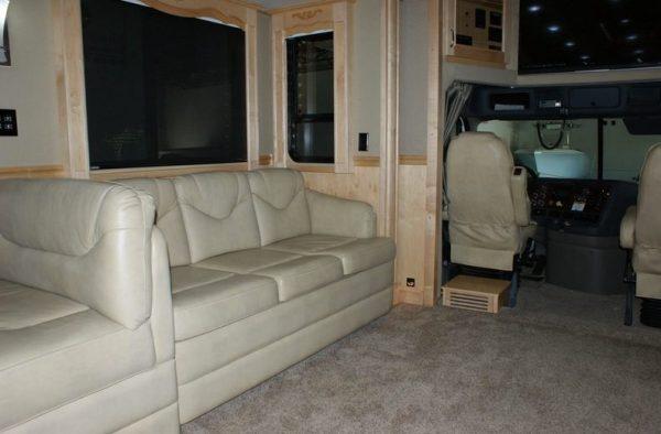 2013-renegade-ikon-3400-45-class-a-motorhome-for-sale-005