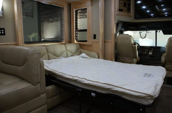 2013-renegade-ikon-3400-45-class-a-motorhome-for-sale-006