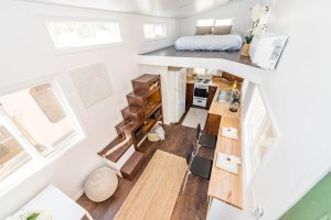 24 Modern Caravan by Tiny House Cottages_013