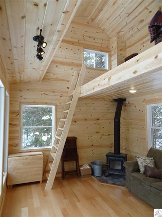 240 Sq Ft Tiny Log Cabin On 100 Acres For Sale