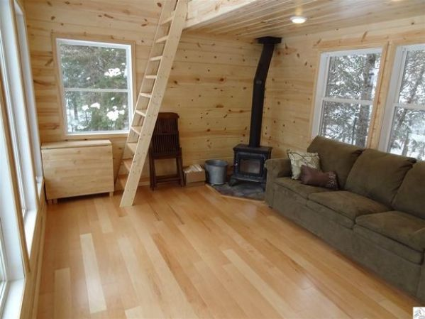 240-sq-ft-tiny-log-cabin-for-sale-005