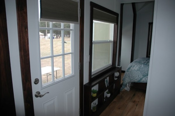 250-sq-ft-expanding-tiny-house-rv-with-slide-outs-010