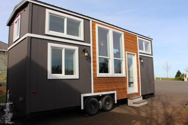 25ft Castle Peak Tiny Home by Tiny Mountain Homes_001