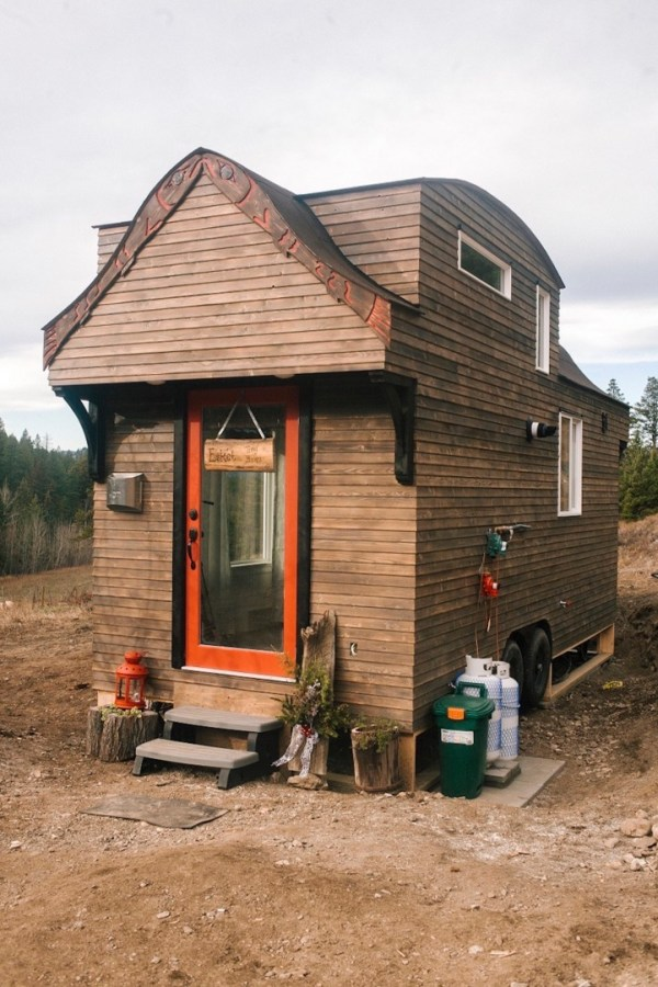 280sf Esket Tiny House on Wheels by Robert and Bettina Johnson 001