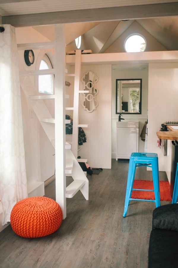 280sf Esket Tiny House on Wheels by Robert and Bettina Johnson 004