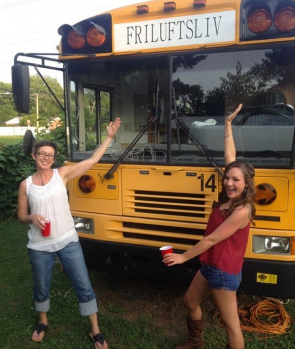 Campers For Sale Ontario >> $2k School Bus Converted into Amazing DIY Motorhome