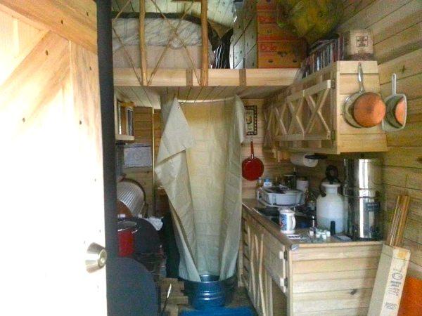 2k-off-grid-diy-tiny-house-002