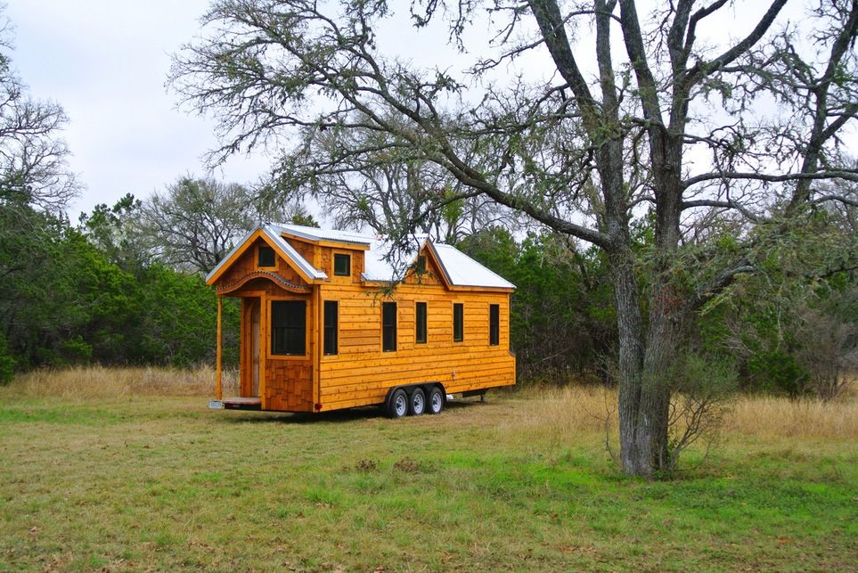 30u2032 Tiny House On Wheels For A Family Of Three