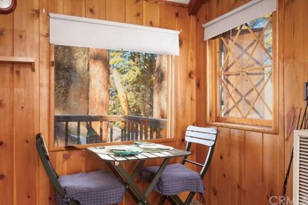 320 Sq Ft Tiny Cabin In Big Bear