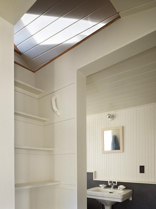 320-sf-garage-conversion-up-towards-bed-loft