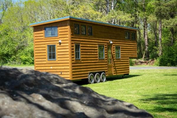 35ft CedarHouse by Timbercraft Tiny Homes EXTERIOR 0011